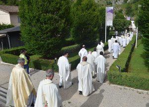 Presbiteri, foto d'archivio